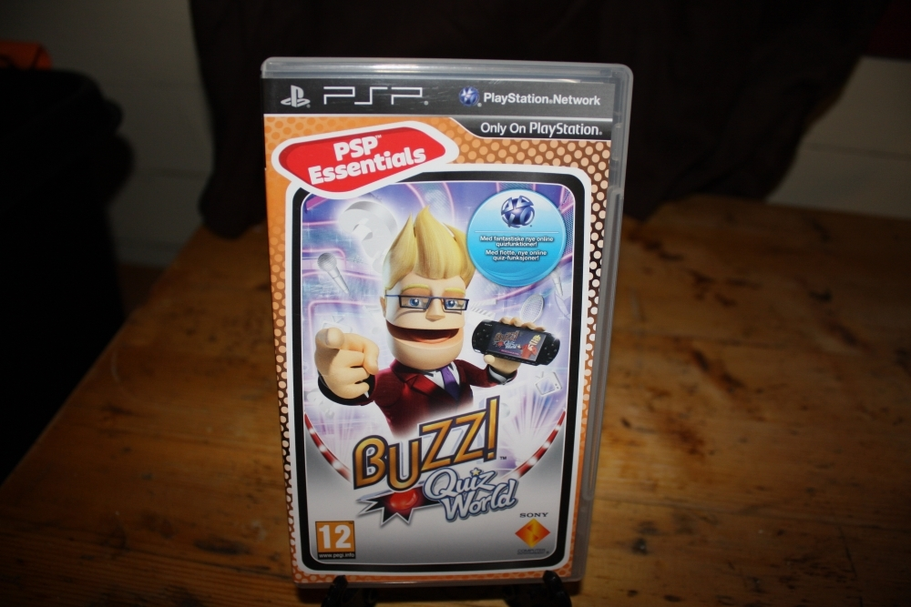 BUZZ: Quiz World (PSP Essentials).